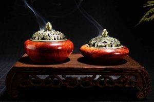 Công dụng và ý nghĩa của đốt trầm hương xông nhà